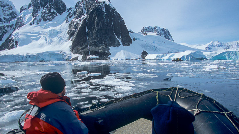 Antarctique Express jusqu'au Cercle Polaire, Sortie en zodiac © Quark - Alex Benwell