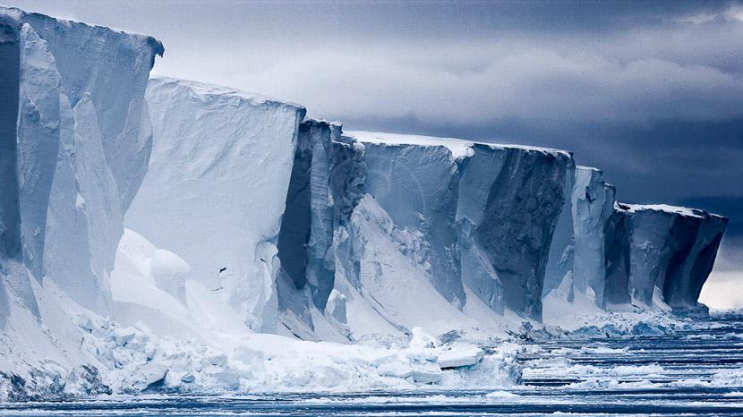 Des icebergs et glaciers version XXL, Front de glace en mer de Ross © Quark - John Weller