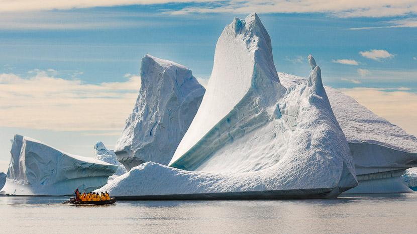 Des icebergs et glaciers version XXL, Croisière en Antarctique © Quark - Lynn Woodworth