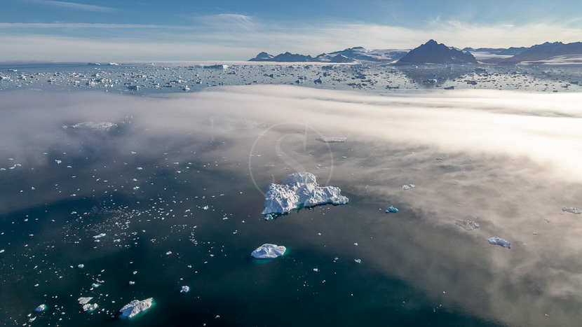 Passage du Nord Ouest : Epic High Arctic, Nord-Ouest du Groenland © Shutterstock