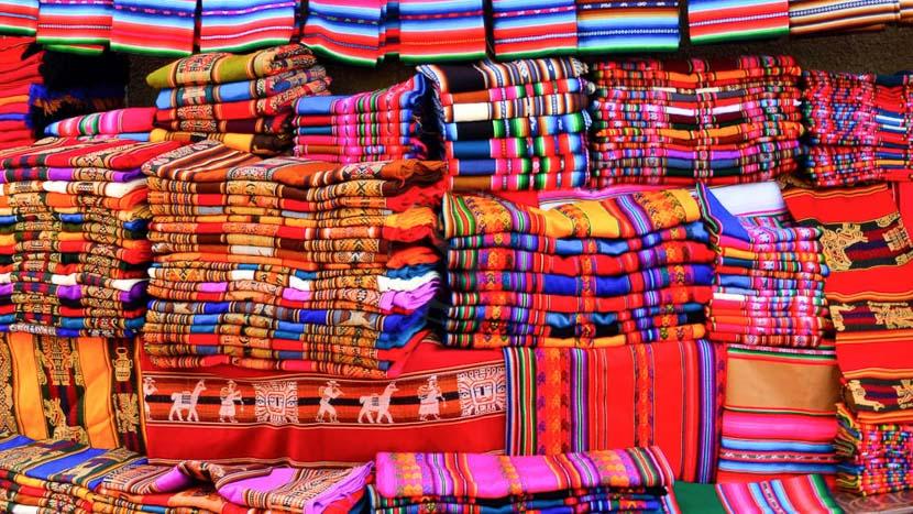 Un dimanche au marché de Tarabuco, Marché coloré Tarabusco, Bolivie