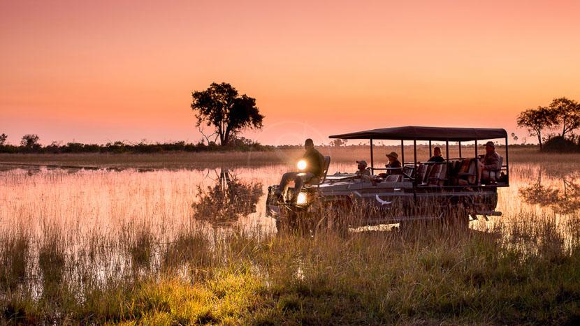 Safari en 4x4 dans le delta de l'Okavango, andBeyond Explorer Safari, Botswana © &Beyond