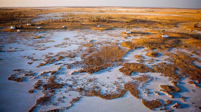 Pan de Makgadikgadi, San Camp, Botswana © David Crookes