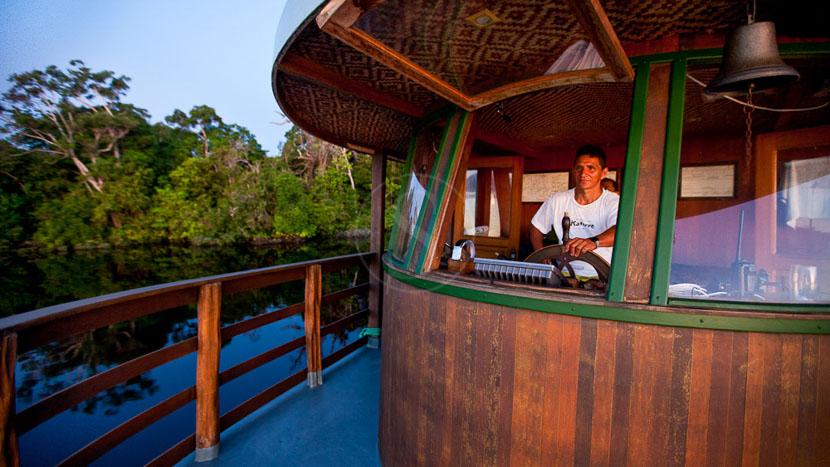 Croisière photo en Amazonie accompagnée par Christophe Courteau, Jacaré Açu, Brésil © Katerre Expeditions