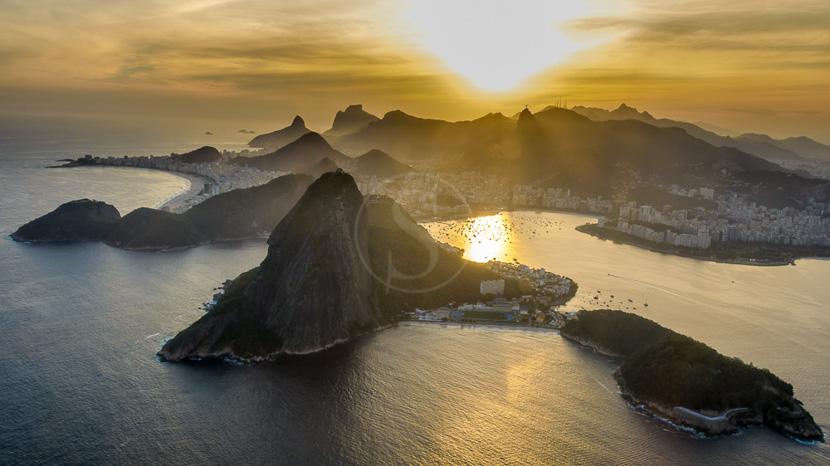 Survol de Rio en hélicoptère, Baie de Rio de Janeiro, Brésil