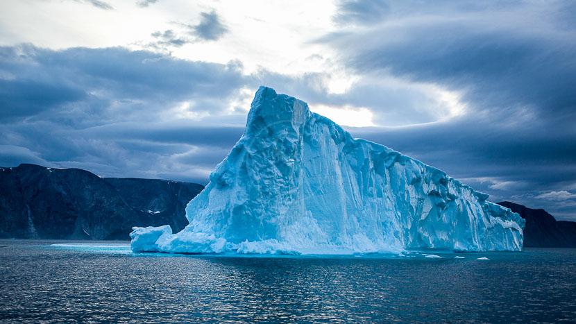 Ours polaires et glaciers sur l'île de Baffin, Safari ours sur la Terre de Baffin, Canada © AK