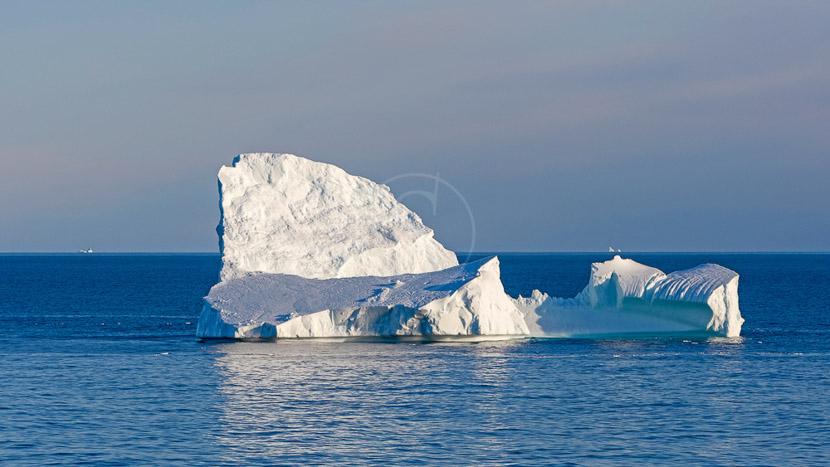 Explorer le couloir des icebergs en kayak, Couloir des icebergs, Canada © Shutterstock