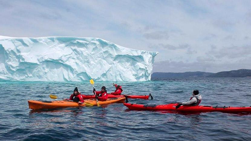 Explorer le couloir des icebergs en kayak, Couloir des icebergs en kayak, Canada © Ocean Quest Adventure