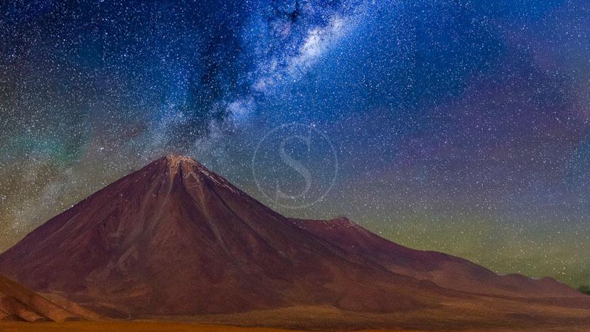 Soirée d'astronomie, Observation des étoiles dans l'Atacama, Chili © Shutterstock