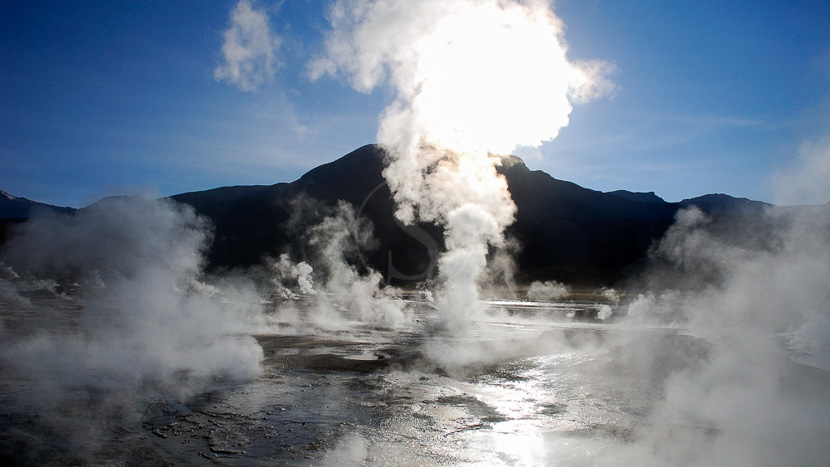 Excursion aux geysers d'El Tatio et aux thermes de Puritama, El Tatio, Chili © Alain Pons