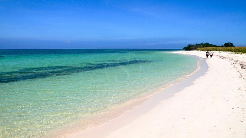 Une plage paradisiaque sur un Cayo, Page des Cayos, Cuba