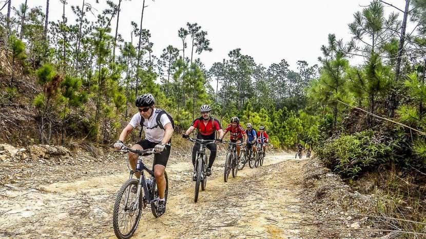La vallée de Viñales à vélo, Vallee Vinales Velo, Cuba