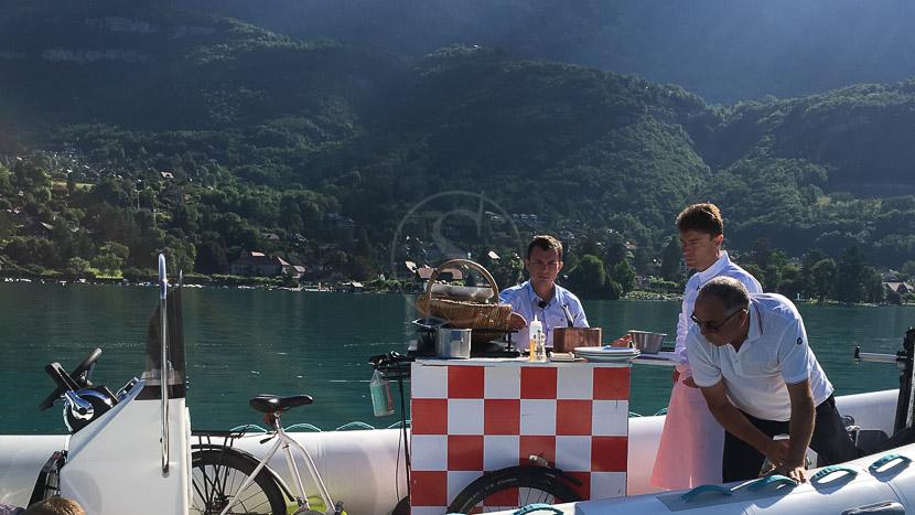 Balade en bateau sur le lac d'Annecy, Balade en bateau sur le lac d'Annecy, France © Blue Diammond Taxi Boat