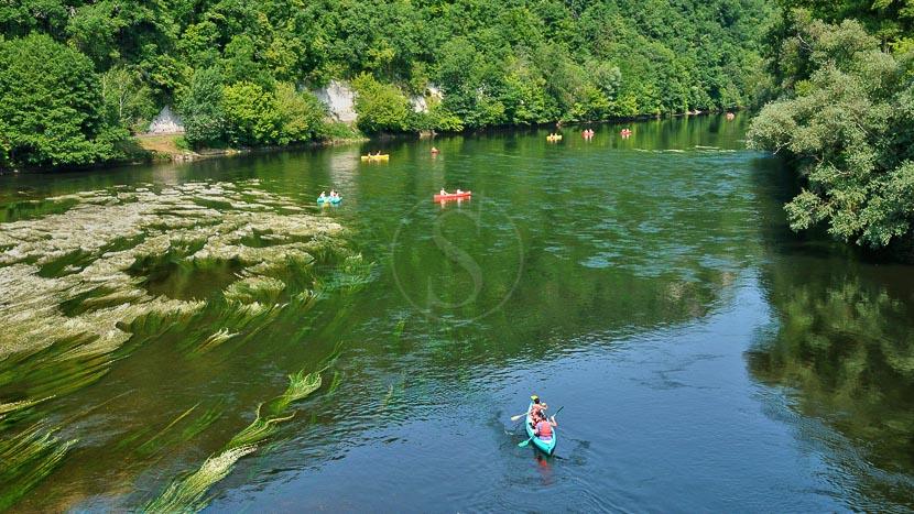 Canoë-kayak dans le Périgord, Dordogne, France © Shutterstock