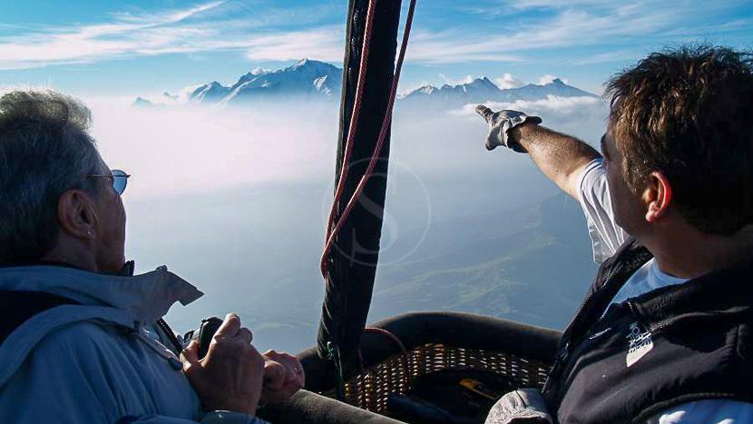Vol en Montgolfière à Megève, Survol en ballon à Megève © Alpes Montgolfière