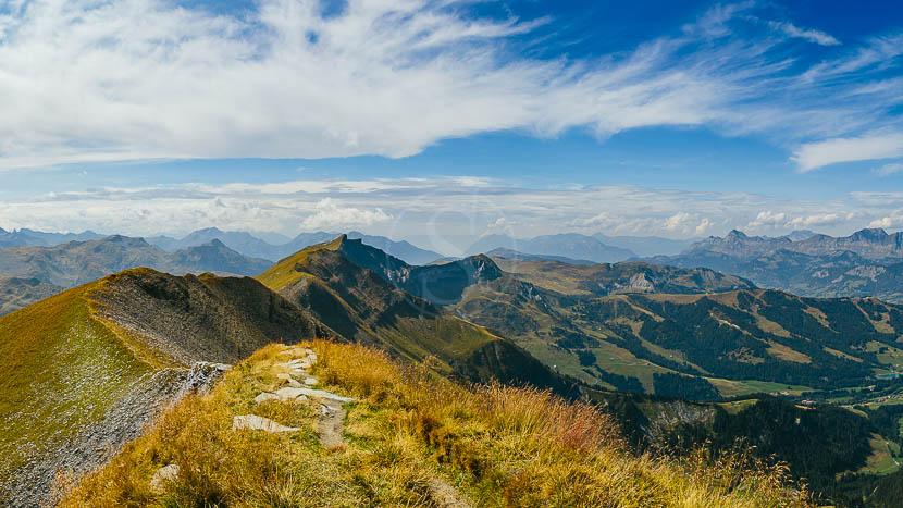 Randonnée Yoga Zen, Randonnées vers Megève et Saint Gervais, France © Shutterstock