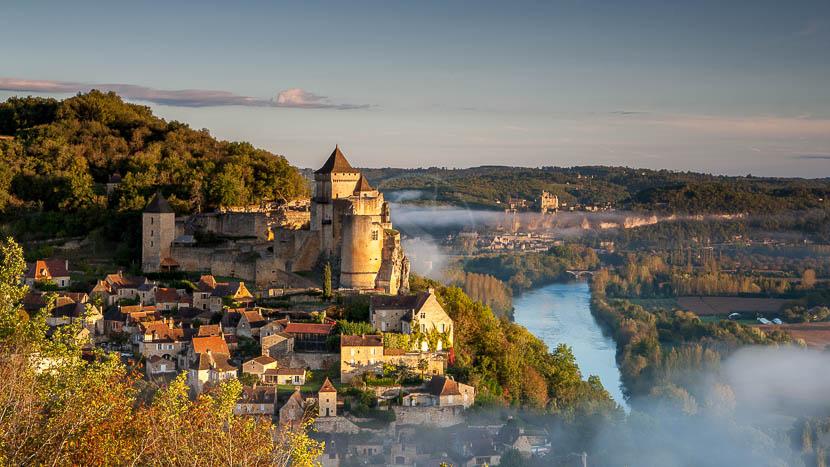 Journée découverte dans le Périgord et le Quercy, Château de Castelnaud, France © Shutterstock