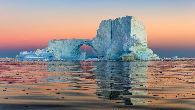 Une croisière au milieu des icebergs, Cote Ouest du Groenland © Shutterstock