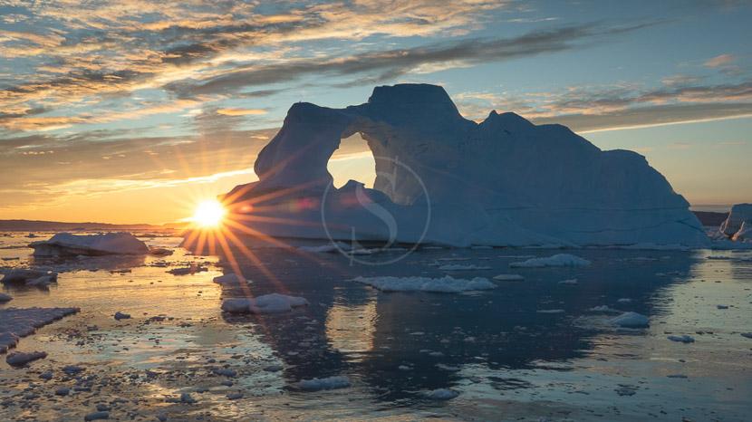 Le soleil de minuit, Disko Bay, Groenland © Shutterstock