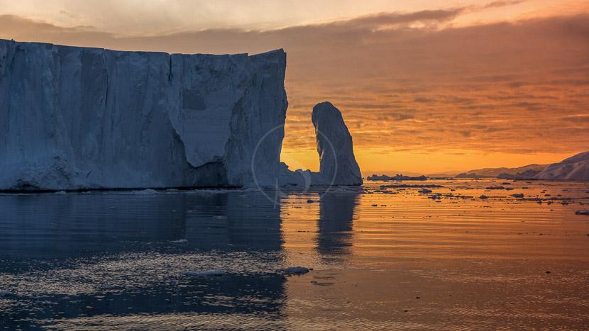 Le soleil de minuit, Ilulissat, Groenland © Shutterstock