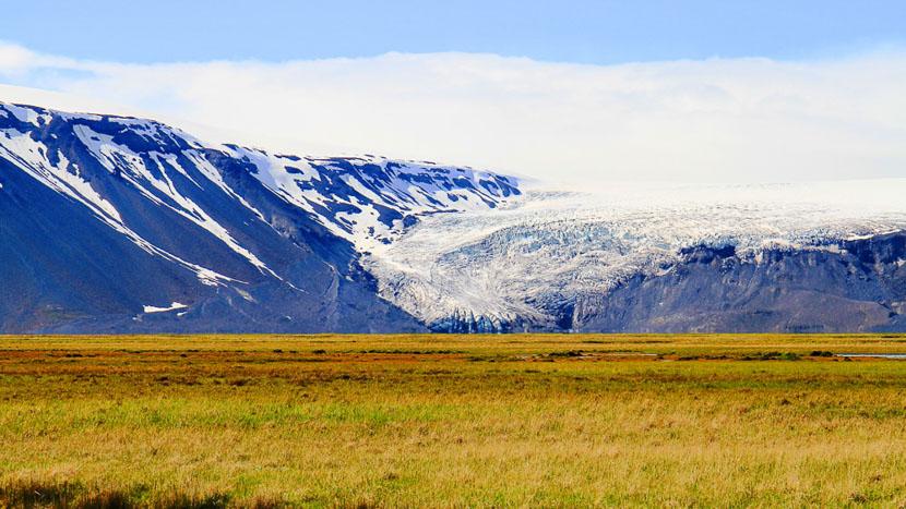 Survol du glacier de Langjökull en hélicoptère, tunnel de glace et Hveravellir, Langjokull, Islande © Sstock