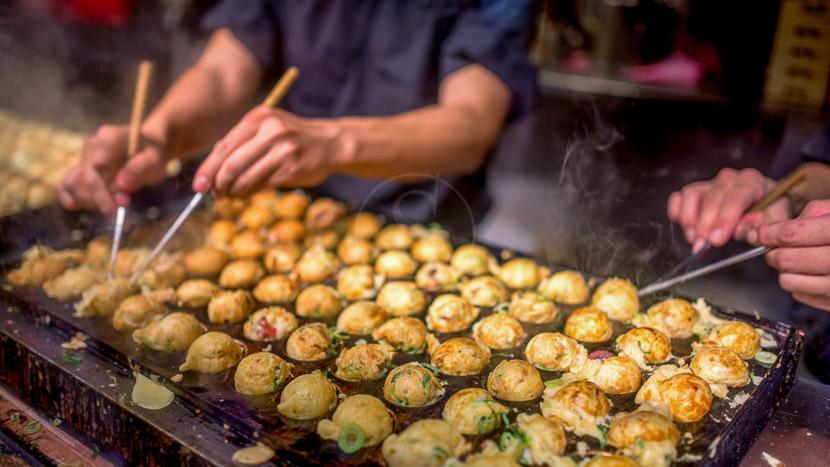 Tokyo, Préparation des takoyakis, Japon