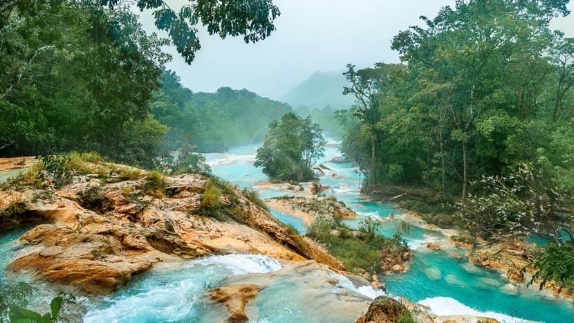 Les cascades d'Agua Azul , Agua Azul dans le Chiapas, Mexique