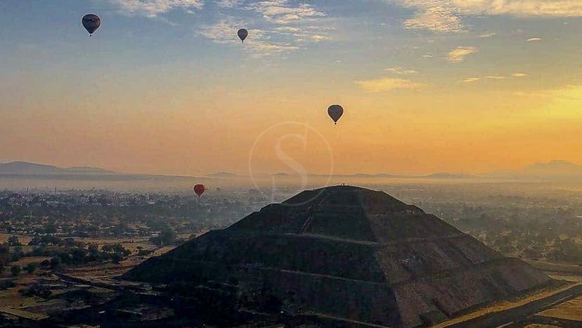 Montgolfière à Teotihuacan, Montgolfières à Teotihuacan, Mexique