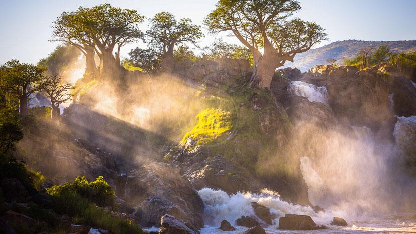 Les chutes d'Epupa, Epupa Falls sur la Kunene River, Namibie © Shutterstock