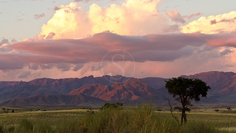 Parc national de Namib-Naukluft, Ciel d'Orage sur la Namib Rand Nature Reserve, Namibie
