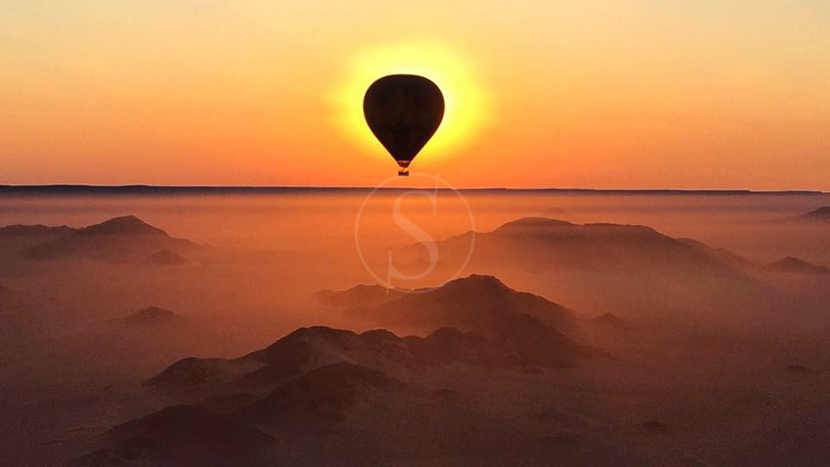 Survol du désert en montgolfière, Safari en ballon vers Sossusvlei, Namibie © Namib Sky