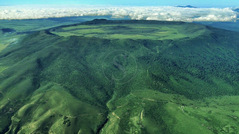 Exploration du cratère de l'Empakaai, The Highlands Ngorongoro, Tanzanie © Asilia - tony Reumerman