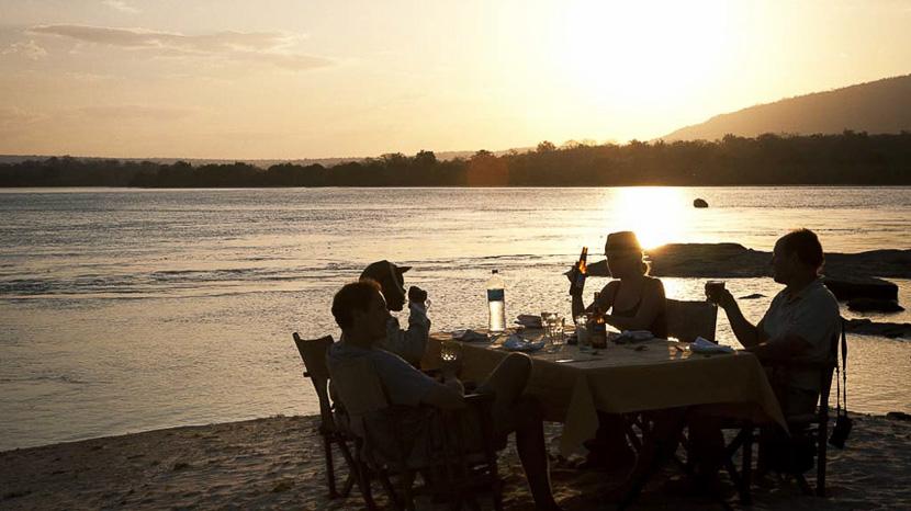 Expérience Sleepout à Selous, Sand Rivers Selous, Tanzanie © Nomad
