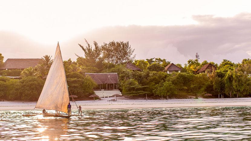 Balade en dhow sur la côte de Zanzibar, Manta Resort Pemba, Tanzanie © Manta Resort