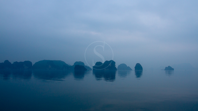 Baie d'Halong, Lever du jour dans la Baie d'Halong