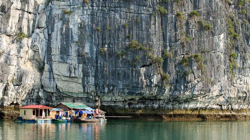 Baie d'Halong, Village de pêcheurs dans la Baie d'Halong