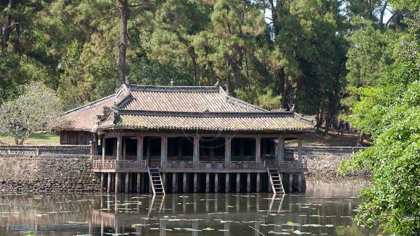 Cité impériale de Hue , Tombeau impérial de l'empereur Tu Duc, Hué