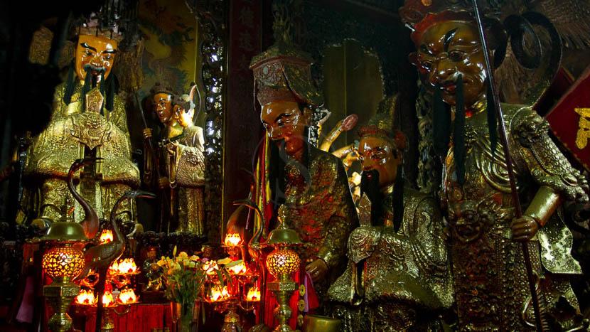 Visite de Saigon, Pagode à Saigon
