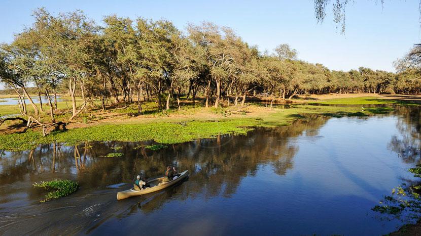 Safari en canoë sur le Zambèze, Old Mondoro, Zambie