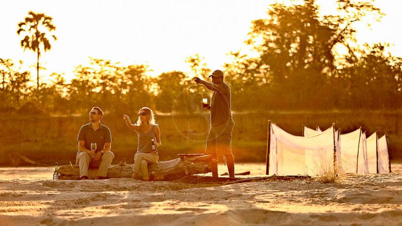 Parc national de South Luangwa, Sleep out à Nsolo Bush Camp, Zambie © Time & Tide