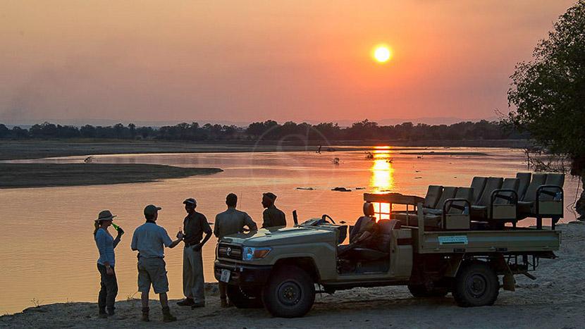 Safari en 4x4 dans le parc national de South Luangwa, Flatdogs Camp, Zambie