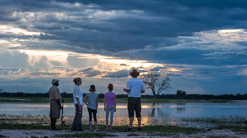 Les plus beaux couchers du soleil d'Afrique, Davidson's Camp, Zimbabwe © Olwen Evans
