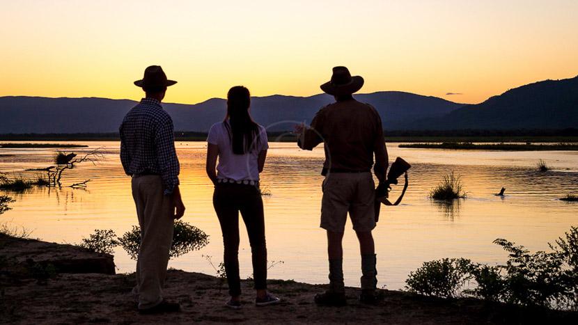 Safari à pied au Zimbabwe, John's Camp Mana Pools, Zimbabwe © Dana Allen, Robin Pope