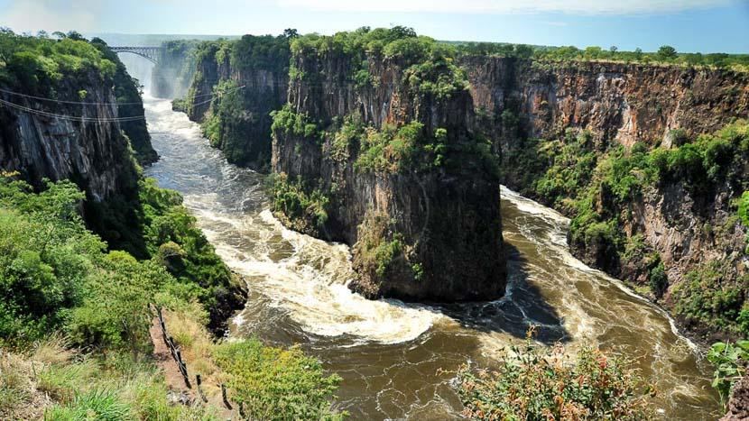 Les activités aux chutes Victoria, Canopy Tour à Victoria Falls © Paul Karnstedt