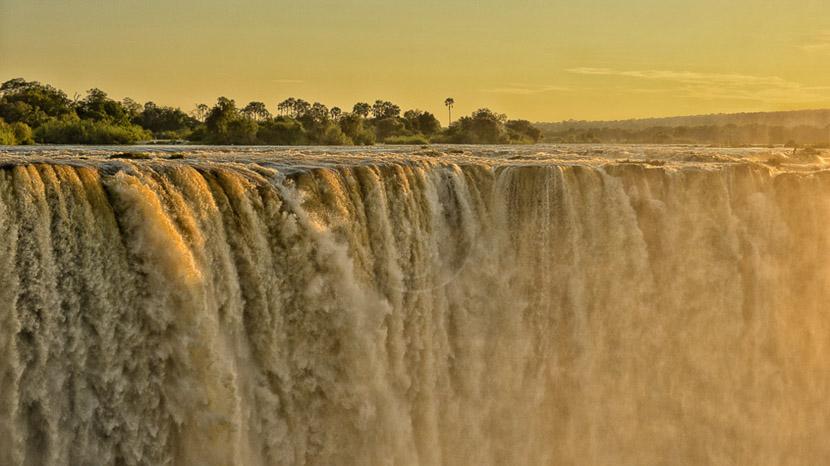 Survol des chutes Victoria en hélicoptère, Ilala Lodge Victoria Falls, Zimbabwe