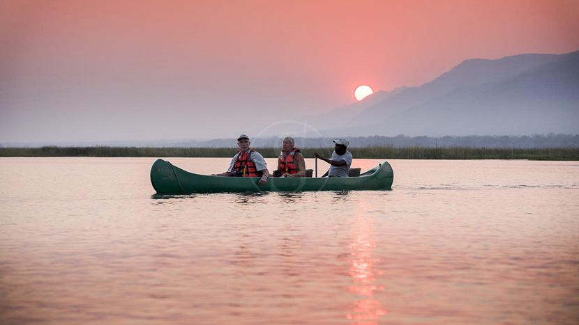 Canoë à Mana Pools, Zambezi Expeditions Bush Camp, Zimbabwe © African Bush Camp