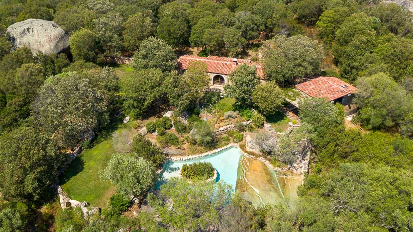Domaine de Murtoli, France, Corse du Sud (2A), Domaine de Murtoli, bergerie A Manzetta (vue aerienne)