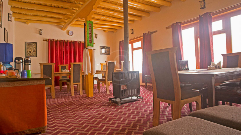 Snow Leopard Lodge, Snow Leopard & Brown Bear Expedition, Inde © andBeyond - Nick Garbutt