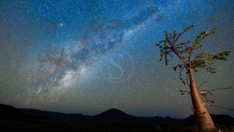 Nuit et marche au cœur du Damaraland, Etendeka Walking Trail, Namibie © Etendeka