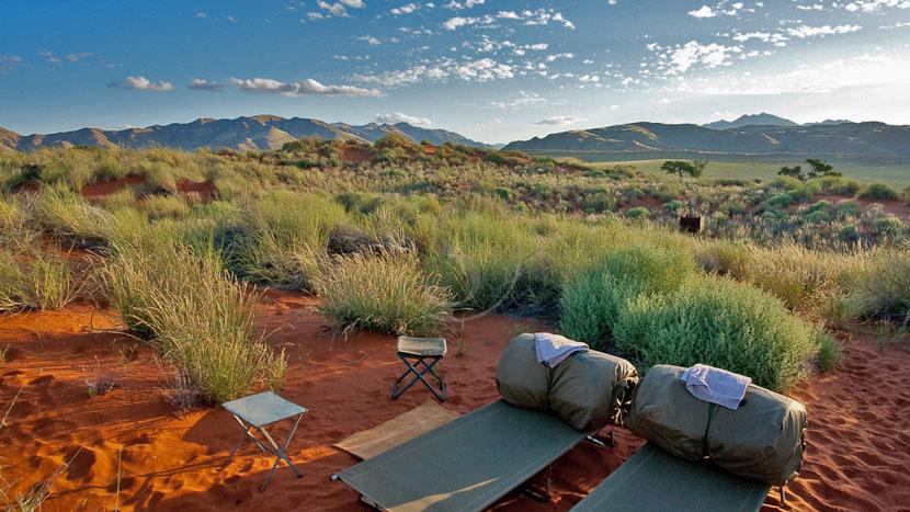 Nuit à la belle étoile dans le Namib,